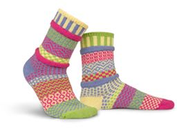 Aster Adult Mis-matched Socks - Medium 6-8